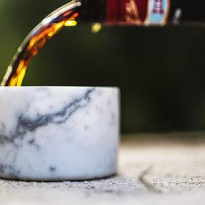 bicchiere da liquore e amaro in marmo bianco di carrara